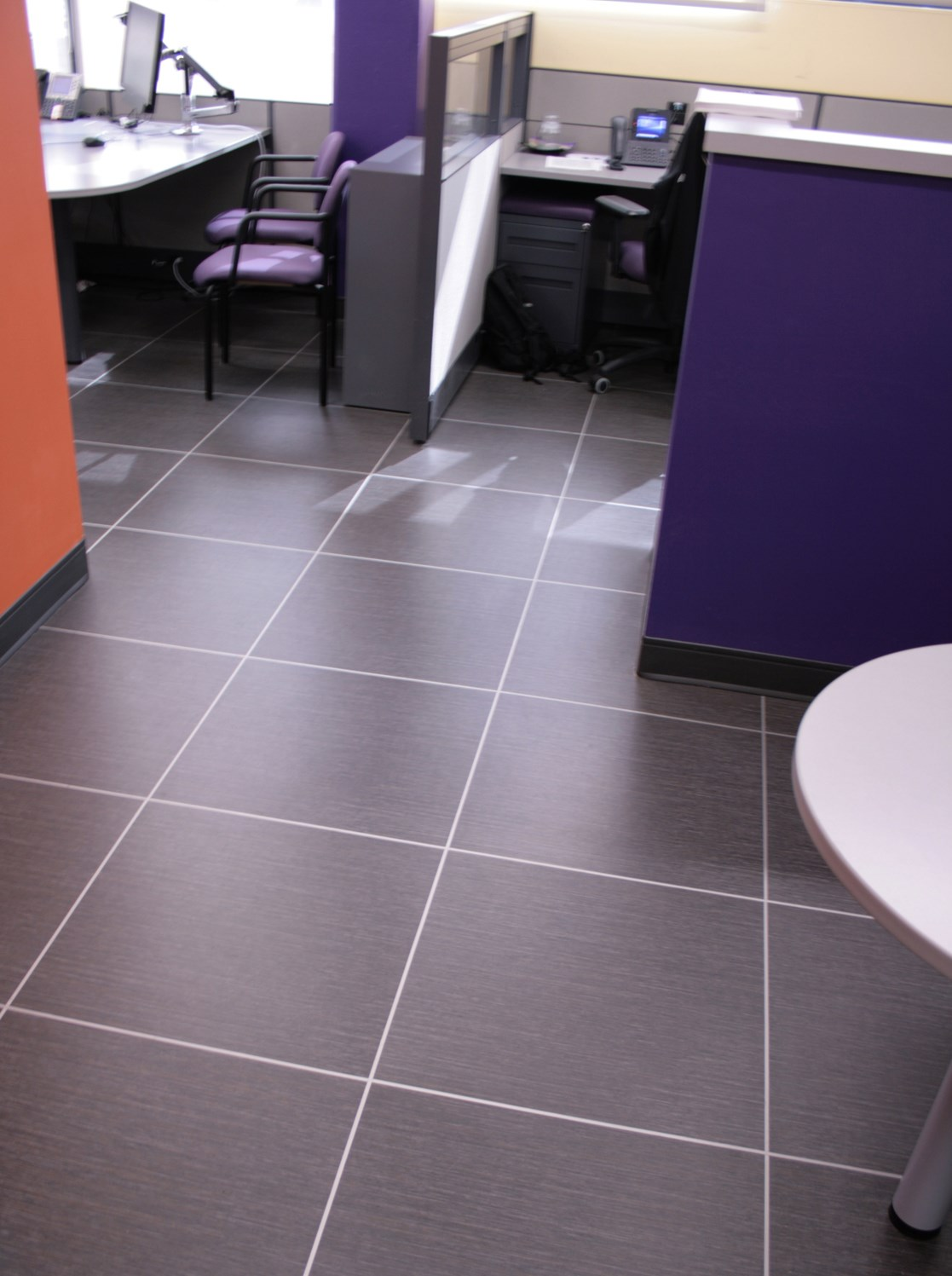 Vinyl Flooring vs. Ceramic Tile Which One Is Right for You vinyl flooring vs ceramic tile